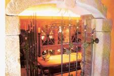 weinkellerbau ausbau ihres weinkellers zum antiken weinkeller mit antik ziegel und altholz. Black Bedroom Furniture Sets. Home Design Ideas